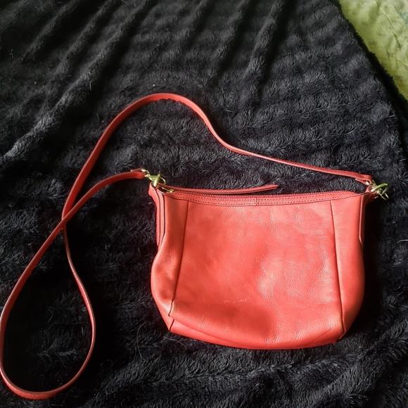 Fossil Vintage  Red Genuine Leather Shoulder Bag